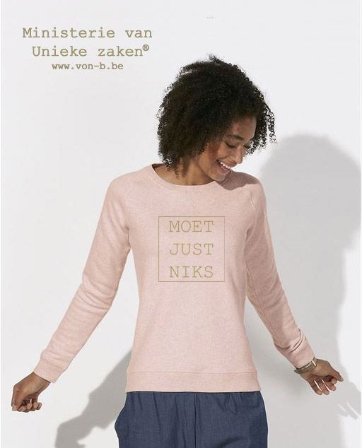 sweater-woman-pink-mjn-goud-model-9.jpeg
